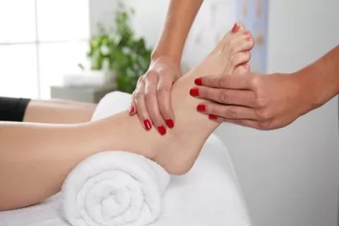 60-Minute Reflexology Session or 45-Minute Reflexology Session with 20-Minute Massage at...